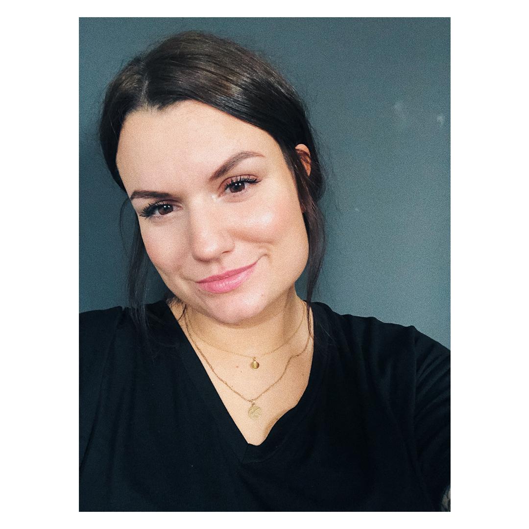 Alina Herzau